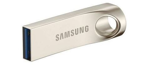 Update your smart TV through a USB flash drive